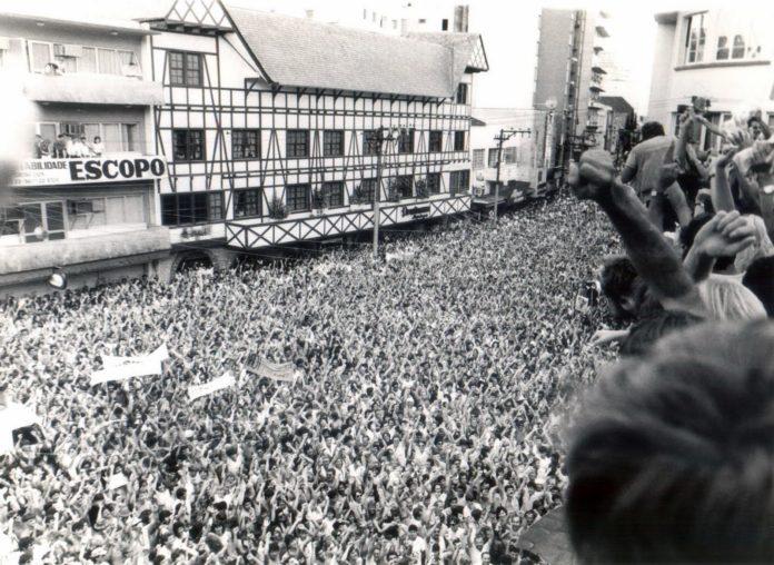 Como estão representados os movimentos sociais no Brasil